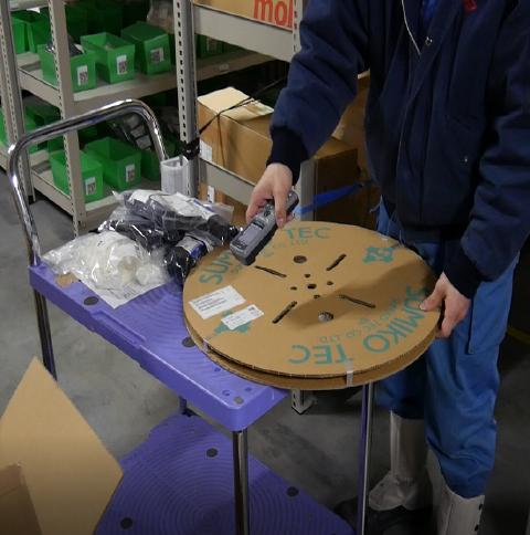 VMI倉庫での出荷検品の様子