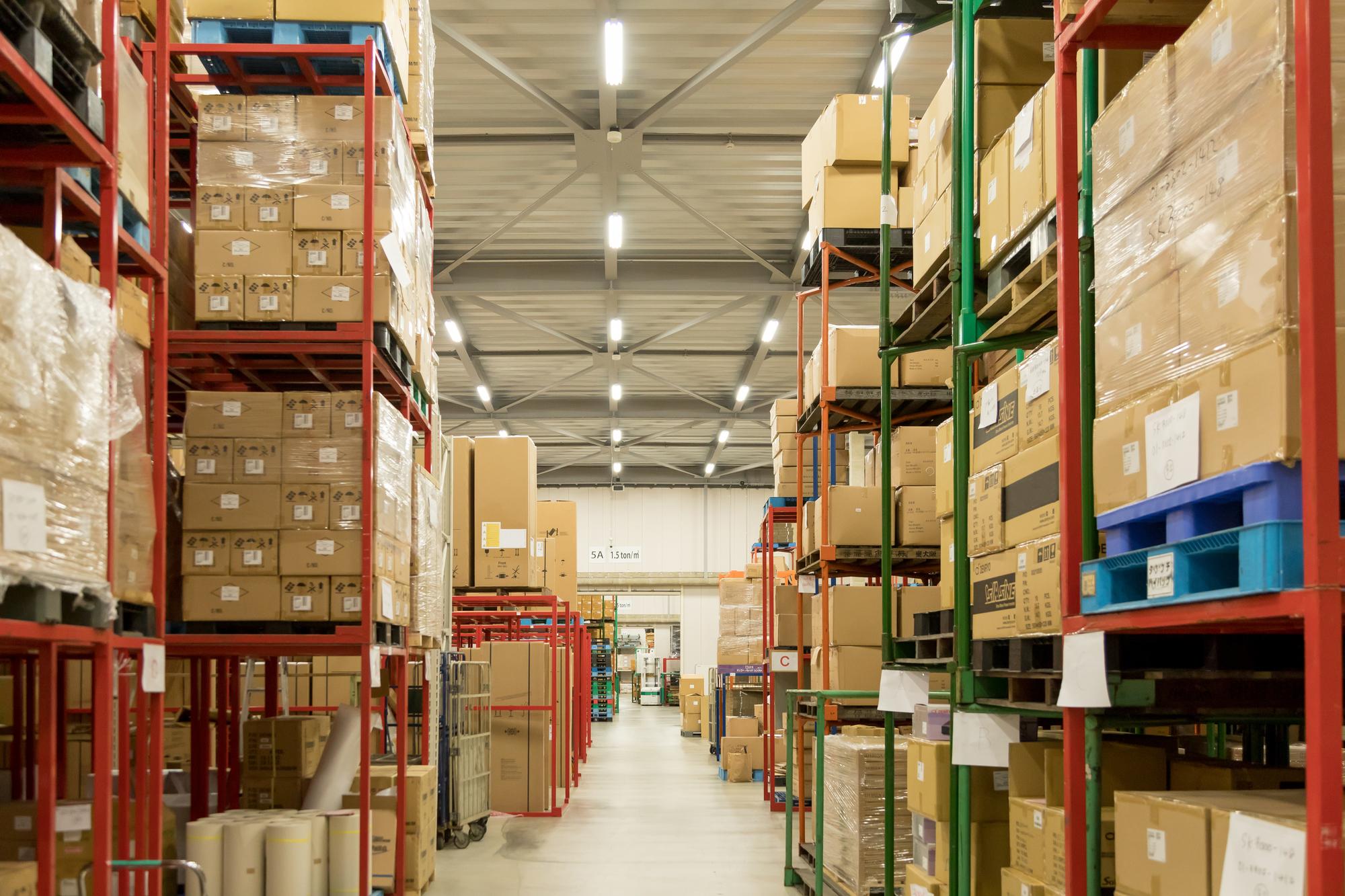 多品種・小ロットを扱う中堅企業のトップが物流品質に目を向けるとき